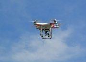 dron z kamerą na halloween
